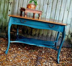 blue furniture | ... distressed blue table Antique Distressed Furniture for a Fresh Look