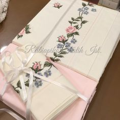 Cross Stitch Designs, Cross Stitch Patterns, Pink Bedrooms, Crewel Embroidery, Party Wear, Crochet, Gift Wrapping, Photo And Video, Sewing