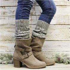 LEG WARMERS women   leg warmers knit   80s leg warmers   winter leg warmers – Catherine Cole Leg Warmers Outfit, Knit Leg Warmers, Leg Warmers For Women, Winter Shorts, Lovely Legs, Women Legs, Winter Wear, Fashion Boots, Winter Outfits