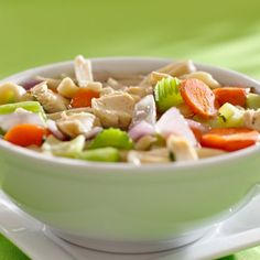 Make your Instant Pot chicken noodle soup this fall! You& find yourself creating your nutritious chicken noodle soup in 20 minutes! Healthy Chicken Soup, Vegetable Soup With Chicken, Chicken Soup Recipes, Clean Eating Recipes, Healthy Recipes, Diabetic Recipes, Healthy Food, Chicken With Italian Seasoning, Mushroom Dish