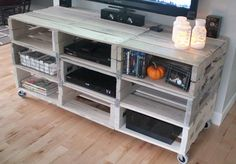 {diy} entertainment center from pallets : Meuble Tv en palettes Recycled Pallet Furniture, Pallet Furniture Designs, Pallet Designs, Diy Furniture, Pallet Ideas, Recycled Pallets, Furniture Storage, Recycled Wood, Furniture Projects
