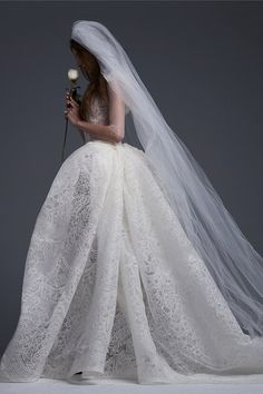 The new Vera Wang wedding dresses have arrived! Take a look at what the latest Vera Wang bridal collection has in store for newly engaged brides. Lace Wedding Dress, New Wedding Dresses, Bridal Lace, Bridal Style, Bridal Gowns, Lace Bride, Ivory Wedding, Vera Wang Wedding Dresses, White Bridal