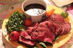 12月12日のあさイチ、スゴ技Q!で放送された「フライパンでできるローストビーフの作り方」をまとめてみました! お手頃価格の塊肉でもおいしく作ることができるレシピで、フライパンで焼いて作ります。 冷凍保存も可能なレシピです。