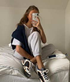 Idée de tenue – Streetwear – Nike Sweat – Outfit The clothing culture is fairly old. Mode Outfits, Trendy Outfits, Fashion Outfits, Womens Fashion, Fashion Tips, Sporty Outfits, Chic Outfits, Sunday Outfits, Insta Outfits