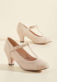 Pretty Little Hire Heel in Beige f5ae8adf2963