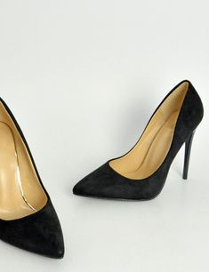 6e6f124f3b Γυναικείες μαύρες μυτερές γόβες στιλέτο σουέντ B10C