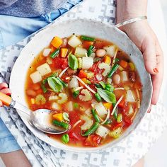 The perfect winter warmer! Minestrone soup is now lower in points now that beans are Soup Recipes Uk, World Recipes, Ww Recipes, Cooking Recipes, Healthy Recipes, Delicious Recipes, Healthy Meals, Vegetable Puree, Cooking