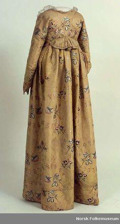Dress (website shows hint: Spitalfield)