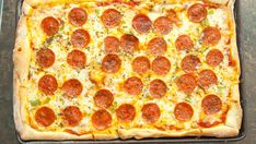 The search for Bigfoot has led us here. Just like you remember, our take on this iconic pizza is large, in charge and feeds a crew. Easy to make and even easier to eat! Sausage Spaghetti, Spaghetti Sauce, Pizza Quotes, Pizza Hut, Stuffed Green Peppers, Pizza Recipes, Copycat, How To Dry Basil, Deserts