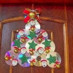 CD Crafts - See Over 130 Ideas and Walkthroughs - ChecoPie Christmas Door Decorations, Christmas Crafts For Kids, Christmas Projects, Christmas Tree Ornaments, Holiday Crafts, Home Crafts, Diy Crafts, Felt Christmas, Xmas Tree