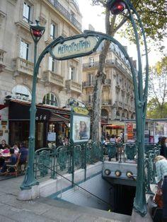 Paris, Métropolitain, Entrée de la station Saint-Michel 2, arch. Hector Guimard