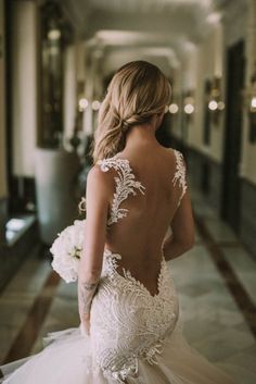 Take a look at the best backless wedding dresses in the pictures below and choose your own! Beautiful wedding dress, not sure who made it, want to keep looking and update post when I find it. Thanks MG. Image source Source by sofiaheckert Sexy Wedding Dresses, Wedding Attire, Bridal Dresses, Wedding Engagement, Backless Wedding Gowns, Mermaid Dress Wedding, Tattoo Wedding Dress, Wedding Shoes, Wedding Dress Body Type