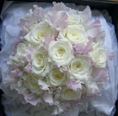 table flowers sweet peas and roses - Google Search
