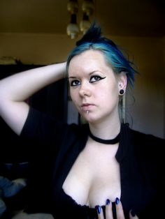 Manic panic Rockabilly blue piercings
