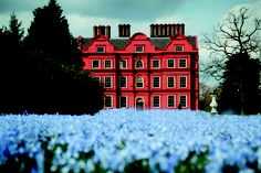 Kew Palace official gift shop discover the perfect gift inspired by this magnificent palace and its surrounding buildings. Kew Gardens, Royal Palace, British Monarchy, Buckingham Palace, London, Mansions, House Styles, Spring, Places