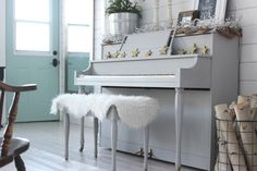 The Homemade Farm Christmas Home Tour: Grey Painted Piano with Chalk Paint || Simple Farmhouse Style Christmas Decor In A Small Space Whitewashed Floors Planked walls