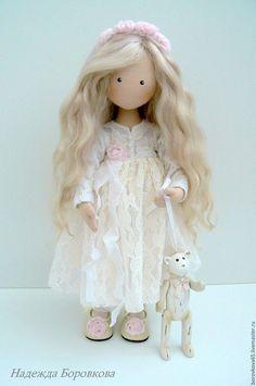 Diy Doll, Diy Necklace Display, Homemade Dolls, New Dolls, Doll Maker, Waldorf Dolls, Sewing Dolls, Soft Dolls, Felt Toys