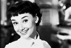 Gorgeous hair from Roman holiday, not to mention Audrey's shirt and neckerchief combo.