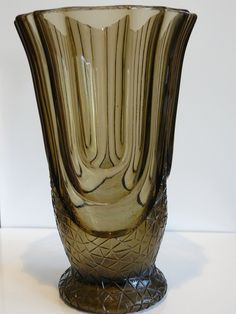 Val Saint Lambert - art deco vaas Luxor -  PRODUCED FOR AN UNKNOWN IMPORTER, CATALOGUED IN THE WALTHER GLAS CATALOGUES FOR SEVERAL YEARS, UNDER THE NAME 'LUXOR', SIGNED BELGE OR FAIT EN BELGIQUE.