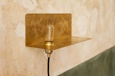 90 brass shelf lamp | Kollekted by