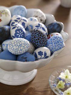 Wow, diese Eier machen wirklich was her. Statt Ostereier zu bemalen kann man kleine Mosaike aufkleben - wir finden: Wunderschön! http://wohnidee.wunderweib.de/bildergalerie-1509360-index/Ostereier-bemalen-Kreative-Ideen.html?i=9=300