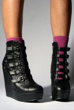 Iron-Fist New-Rider-Platform-Wedge-Girls Schuh black Gyaru, Crazy Shoes, Me Too Shoes, Rockabilly, Vip Fashion Australia, Harajuku, Mode Shoes, Pin Up, Gothic