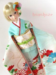 Japanese momoko doll. Kimono.
