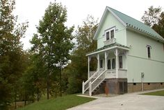 Are you looking for a West Virginia cabin rental near the New River Gorge?
