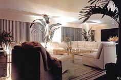 """Liza Minnelli's Dazzling New York Apartment """"I'm finally home,"""" says Liza Minnelli of the Manhattan apartment designed for her and her husband, sculptor Mark Gero. 80s Interior Design, 1980s Interior, Apartment Design, York Apartment, Art Deco, Interiores Design, Interior Architecture, Decoration, Liza Minnelli"""
