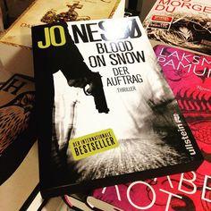 """Auftragskiller mit Herz. In """"Blood on Snow"""" von Jo Nesbø lernen wir den Legastheniker Olav kennen und lieben. Wenn ihr wissen wollt welche Probleme ihn sonst noch plagen, dann schaut mal hier vorbei: http://blog.thalia.de/buecher/krimis-thriller/blood-on-snow/"""