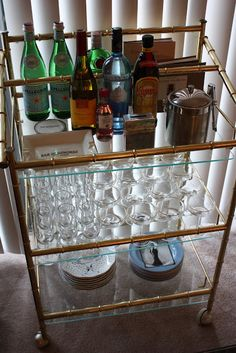 Southern Vogue: Oh So Mad Men: Apartment Bar Cart