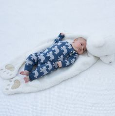 This knitted rompersuit is made from organic cotton. Cute outfits for newborns, all in one outfits for babies. Organic baby clothes from the UK. Organic Baby Clothes, Unisex Baby Clothes, Cute Baby Clothes, Kids Winter Fashion, Kids Fashion, Cute Polar Bear, Winter Baby Clothes, Gender Neutral Baby Clothes, Baby Boy Romper