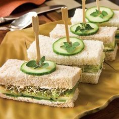 Cucumber-Avocado Tea Sandwiches- my two young kids gobbled these up. They were very summery and refreshing for a light lunch! Cucumber, avocado, spinach, and sprouts! Tapas, Snacks Für Party, Tea Time Snacks, Le Diner, Afternoon Tea, Finger Foods, Appetizer Recipes, Love Food, Food And Drink