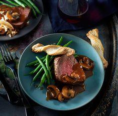 Boeuf Wellington facile #beef #wellington #rosebeef #easy #valentinesday #dinner #foodlavie Easy Beef Wellington, My Best Recipe, Recipe Box, I Am Awesome, Steak, Good Food, Dinner, Recipes, Reindeer