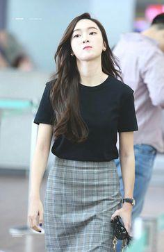 Taeyeon Jessica, Jessica & Krystal, Krystal Jung, Magazine Cosmopolitan, Instyle Magazine, Snsd Fashion, Korea Fashion, Airport Fashion, Jessica Jung Fashion