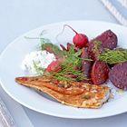Gerookte makreel met rode biet en radijsjes - recept - okoko recepten