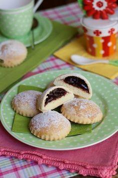 La festa del papà si avvicina e con sé anche la festa di San Giuseppe. Tantissimi sono i dolci tipici della tradizione pasticcera italiana per questa...