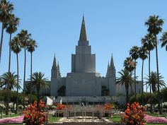 We've been to the Oakland Temple once for our first wedding anniversary. We plan to revisit sometime, maybe during the Christmas season when it's all lit up.