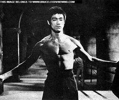 STEP UP ! BRUCE LEE. . . THE WAY OF THE DRAGON