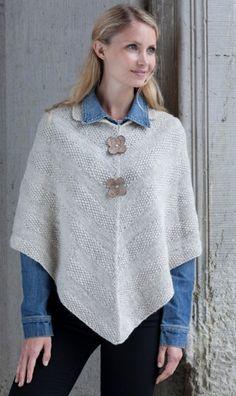 Gratis strikkeopskrifter: Den korte poncho er også god at bruge indendøre i stedet for en trøje