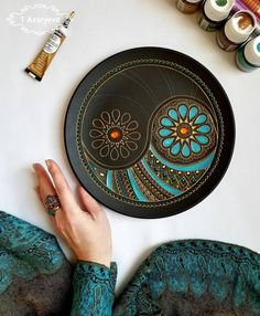 Wonderful mandala tray by Dot Art Painting, Ceramic Painting, Ceramic Art, Mandala Art, Mandala Painting, Pottery Painting Designs, Pottery Designs, Arti Thali Decoration, Plate Art