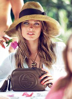 Karmen Pedaru for Gucci Gucci Purses, Chanel Handbags, Gucci Bags, Designer Handbags, Hermes Bags, Replica Handbags, Gucci Gucci, Sac Week End, Elegant Woman
