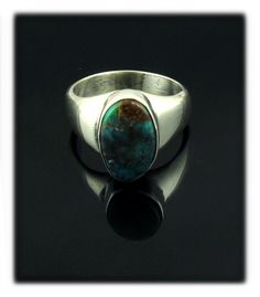 Simple Deep Blue Bisbee Turquoise Ring