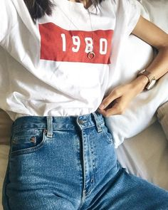 For a more retro look, pair your favourite pair of denim jeans with a classic tee for a relaxed and on-trend look!