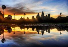 Angkor Wat au coucher de soleil by Trey Ratdiff