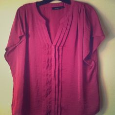 Pretty magenta top!! Really soft and silky top!! Apt. 9 Tops