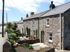 https://flic.kr/p/4T3E5u | Cornish cottages by Ben Sutherland courtesy of Flickr Creative Commons licensed by CC BY 2.0 https://creativecommons.org/licenses/by/2.0/