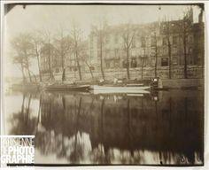 Les maisons de l'île Saint-Louis, vue du quai des Célestins. Paris (IVème arr.), avril 1921. Photographie d'Eugène Atget (1857-1927). Paris, musée Carnavalet.