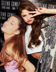 i don't know if this is a real photo or not but Ariana and Selena are together so its pretty awesome.