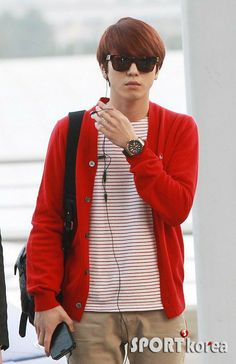 CNBLUE at Incheon airport, leaving for Kpop Festival in Los Angeles Kang Min Hyuk, Lee Jong Hyun, Jung Hyun, Lee Jung, Jung Yong Hwa, Cnblue, Minhyuk, Power Pop, Incheon
